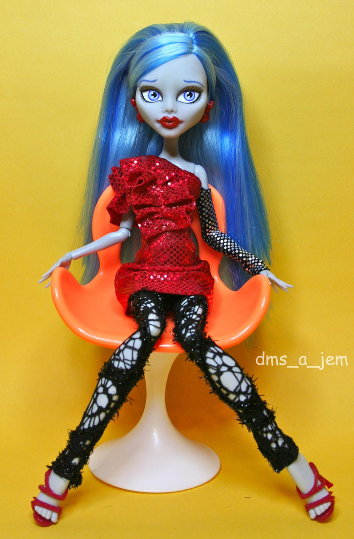 Custom Ghoulia Yelps by dmsajem