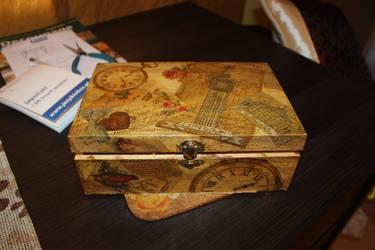 Box full of memories by Noldomirwen