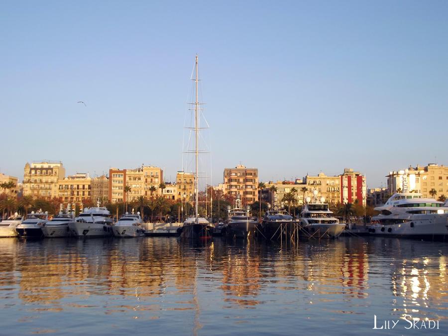 Port Vell - Barcelona by LilySkadi