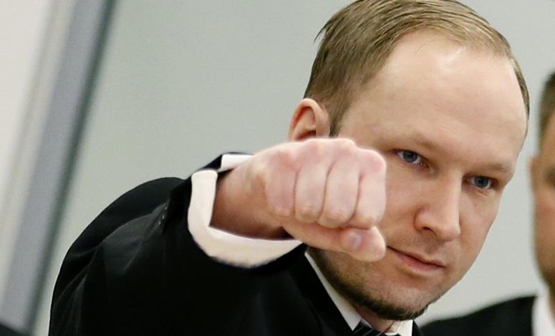 Anders Behring Breivik Saludo Nazi by UnionAntiVenganza