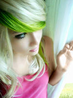 Green Blonde Hair by kuebicore