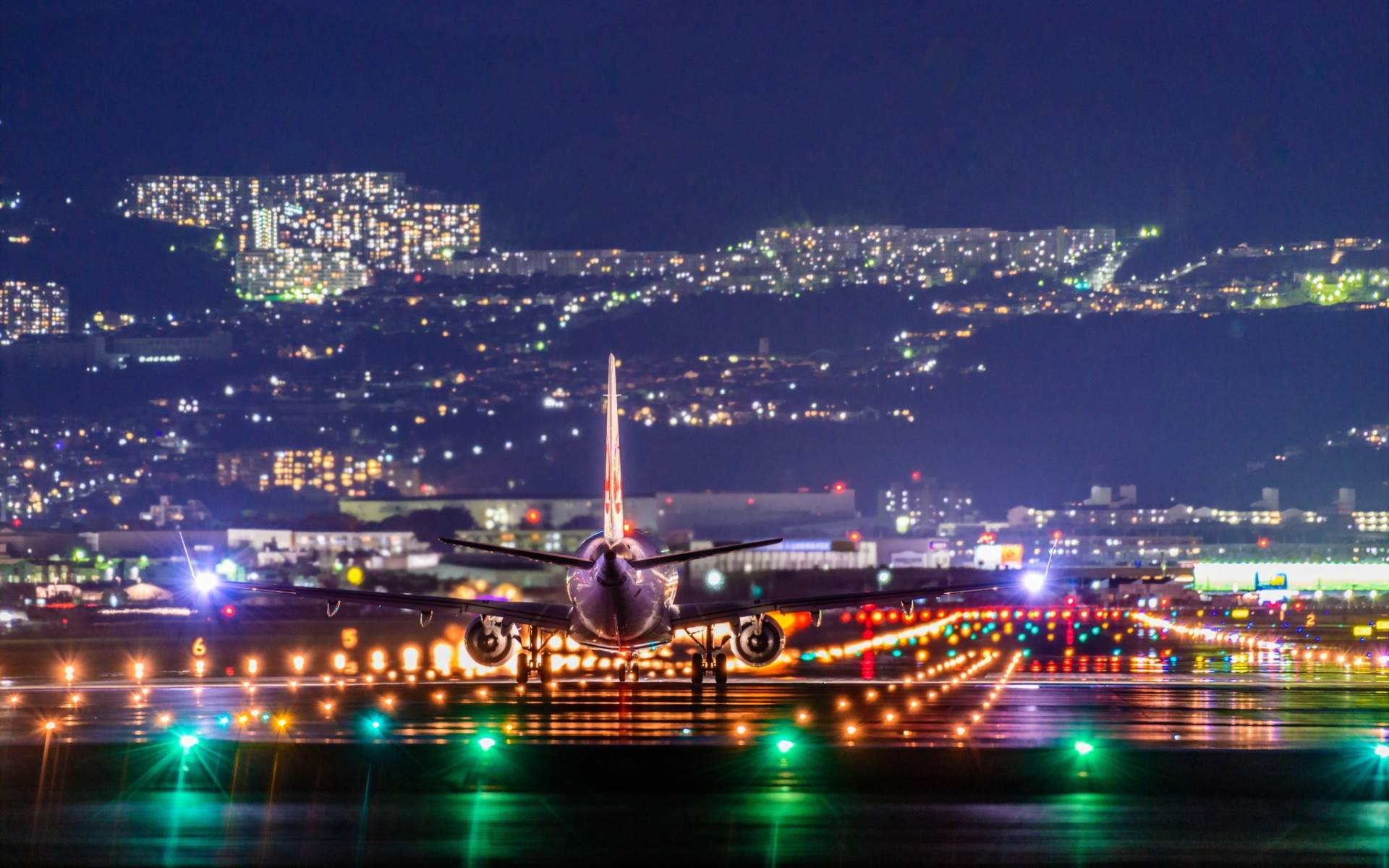 Great Wallpaper Night Airplane - cool_airplane_landing_at_itami_airport_at_night_by_rogue_rattlesnake-dbwp0on  Collection.jpg