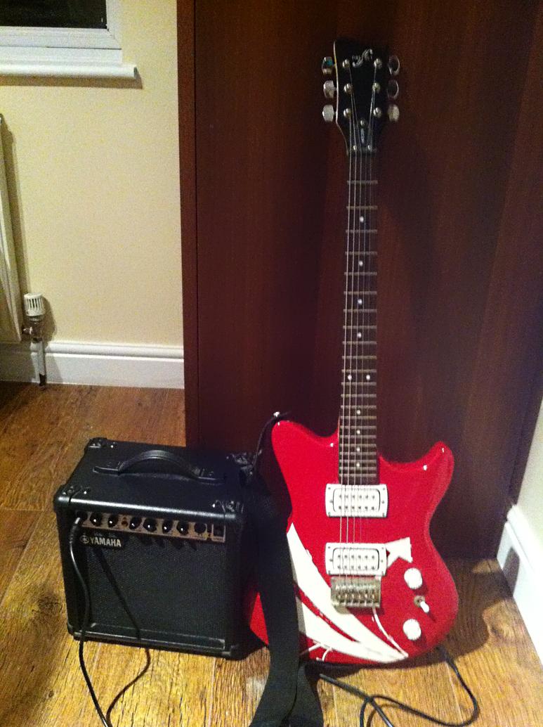 Yamaha Red Guitar Linlay
