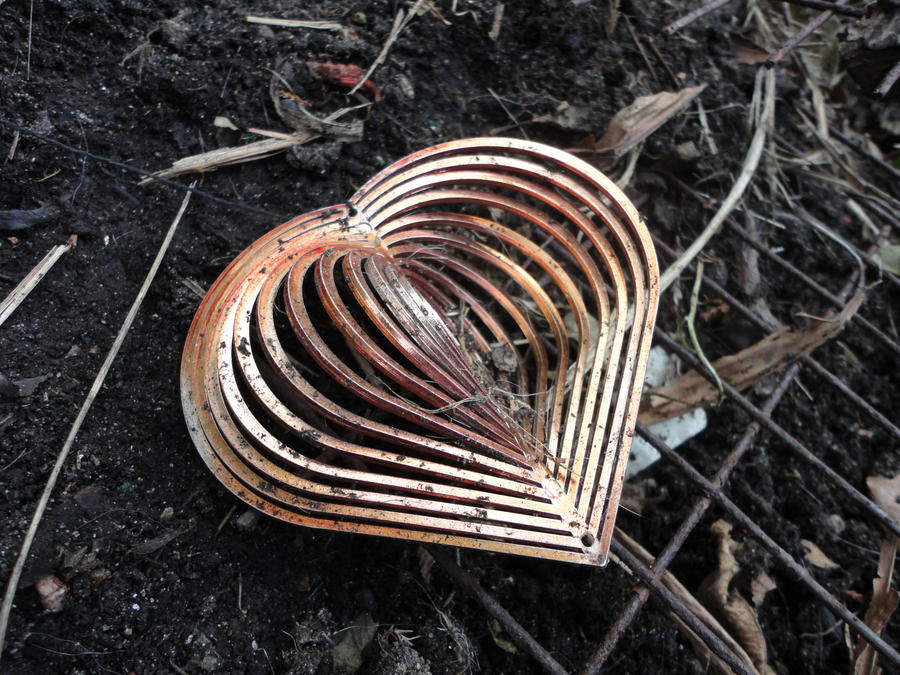 soiled heart. by RahRahRachie