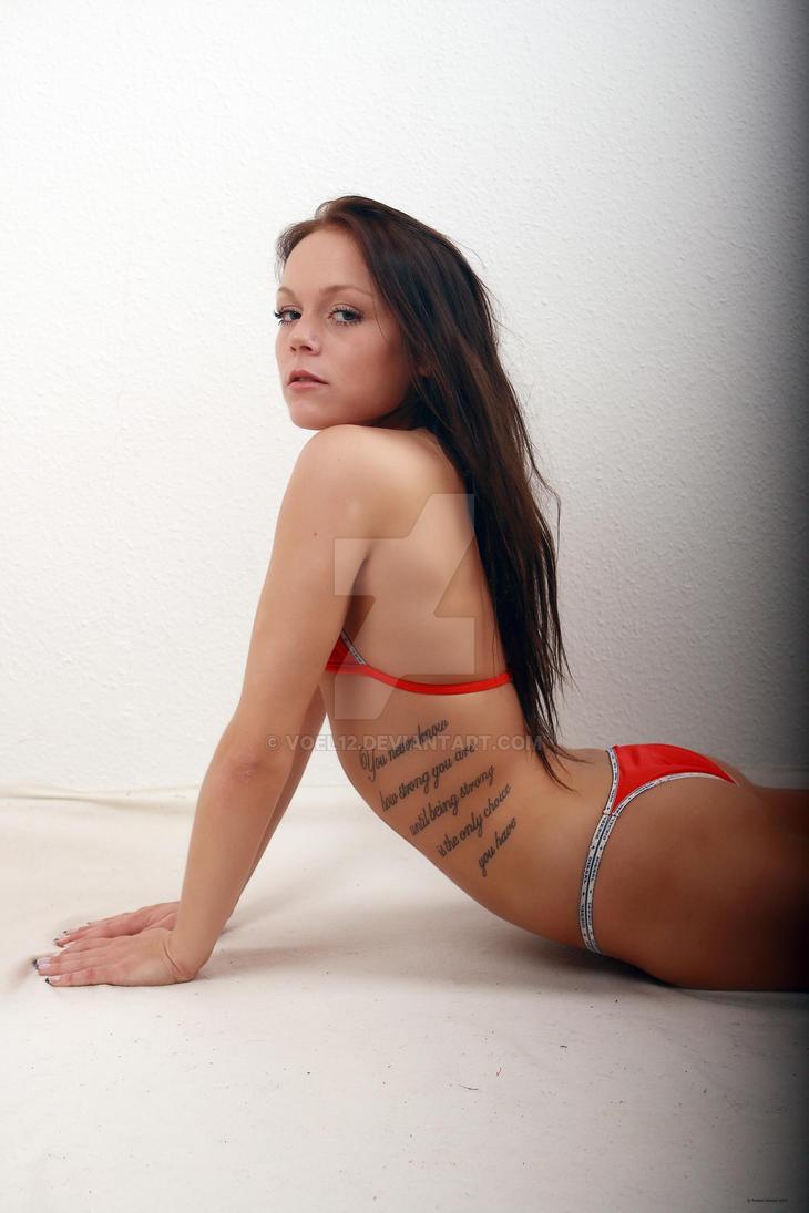 Holly Hendrix порноактриса