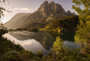 Sunrise at the lake... by jaco353