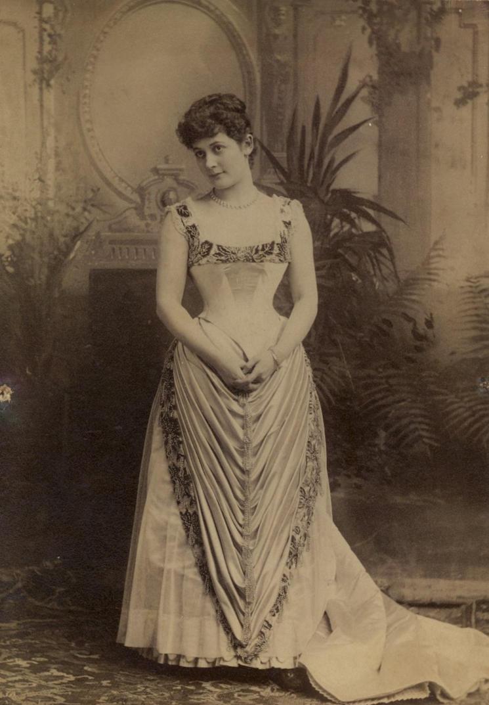 Vintage woman 0021 by MementoMori-stock