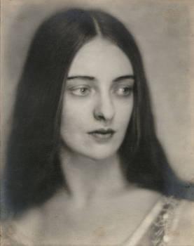 Vintage beautiful woman 0009