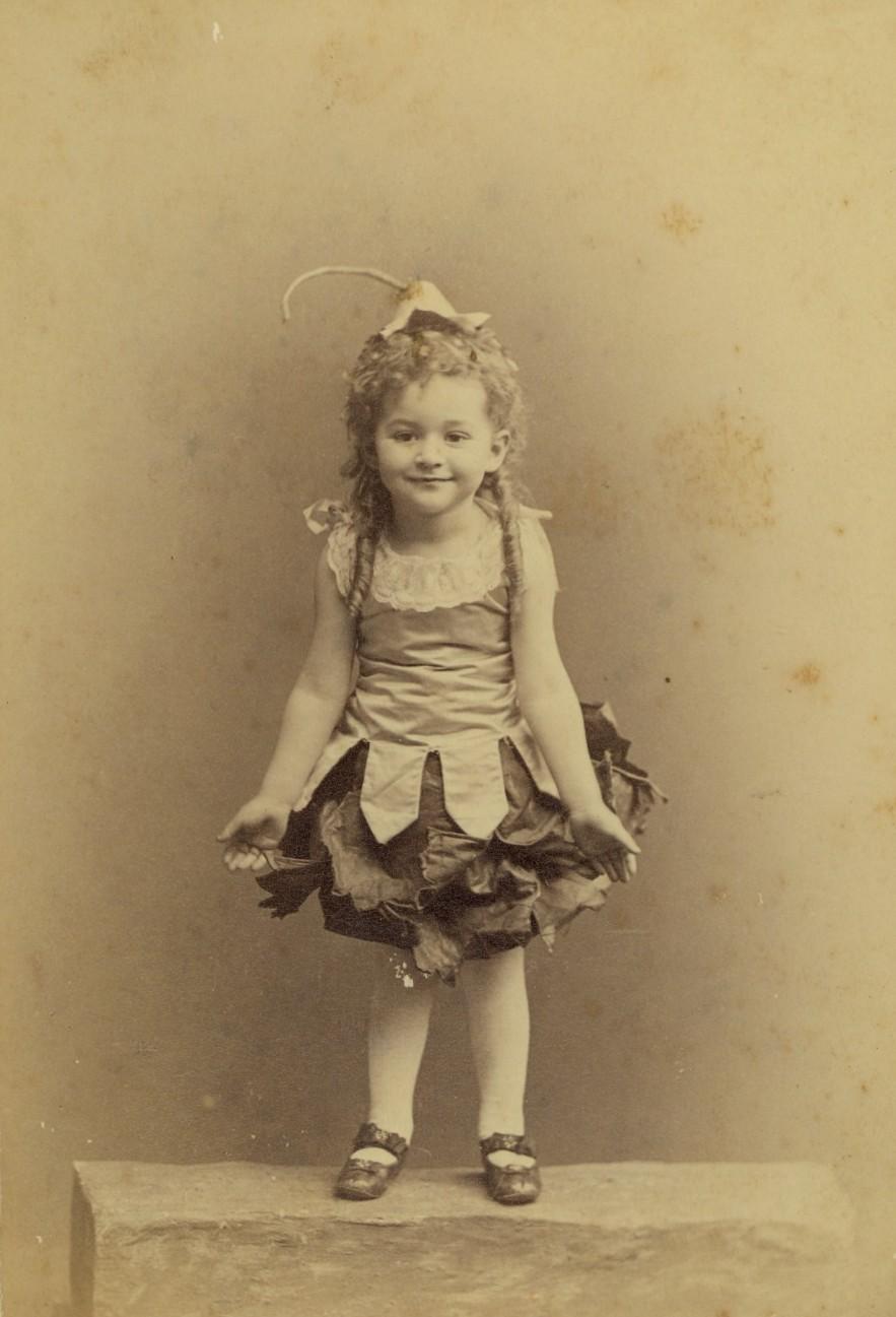 Vintage Cute Little Girl By MementoMori-stock On DeviantArt
