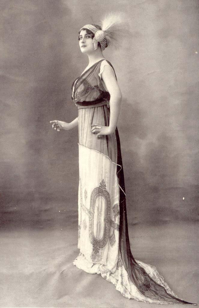 1910 ball gown 1910 fashion photgraph