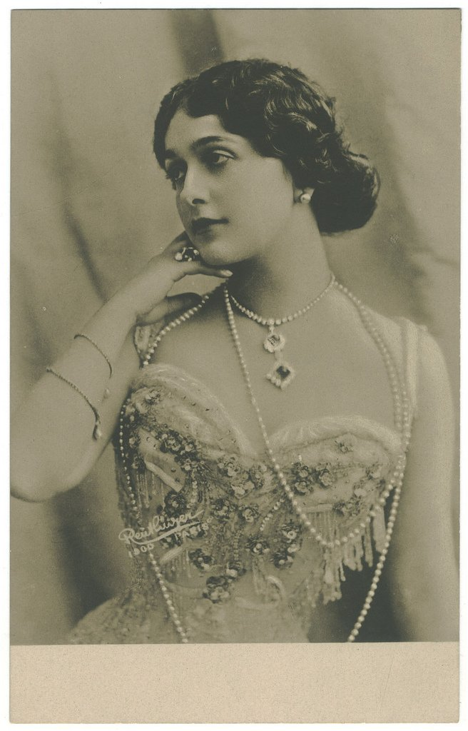 Lina Cavalieri IV by MementoMori-stock