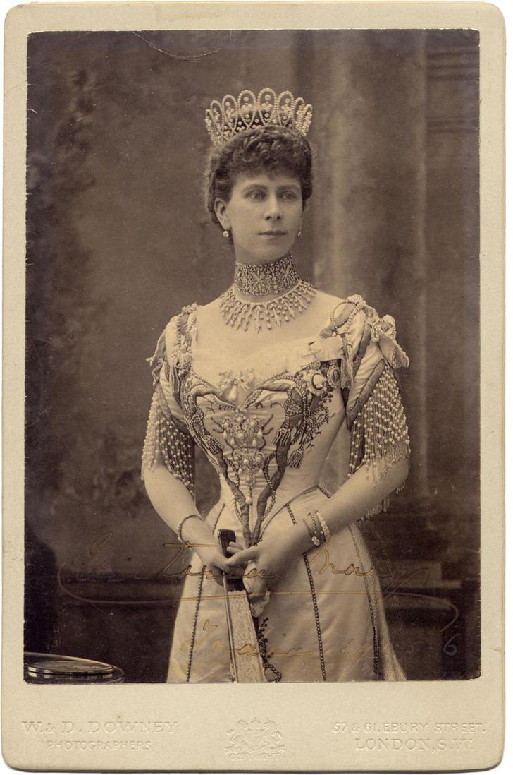 Vintage royal Queen Mary by MementoMori-stock
