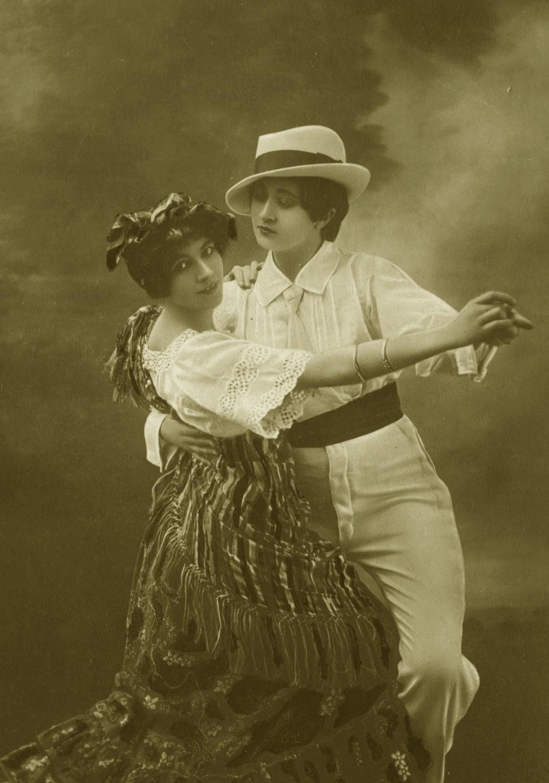 vintage dancing woman art