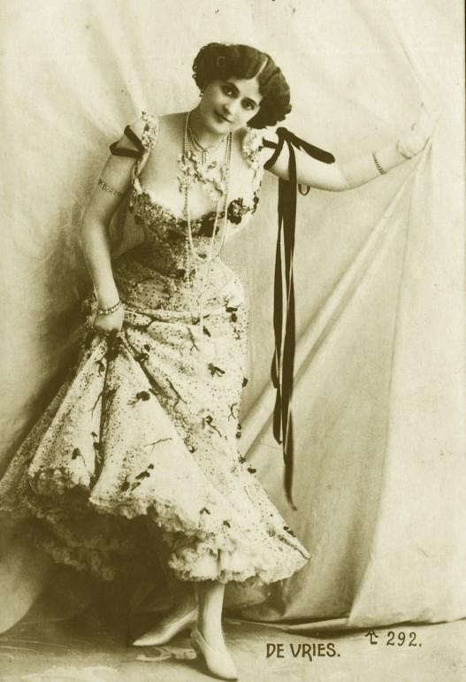 Vintage Miss de Vries by MementoMori-stock