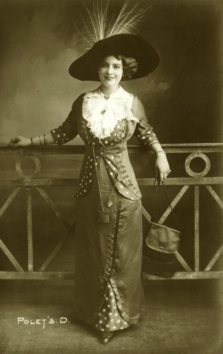 Vintage mids 1910s lady fashion 001 by MementoMori-stock