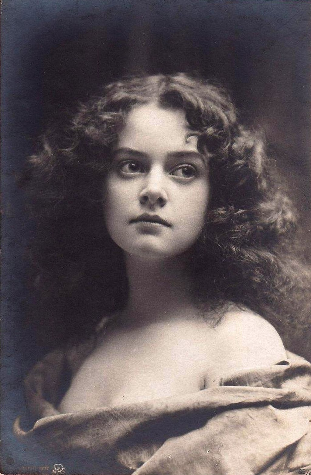 Vintage stunning lady 002 by MementoMori-stock