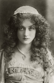 Vintage miss Maude Fealy in costume 003