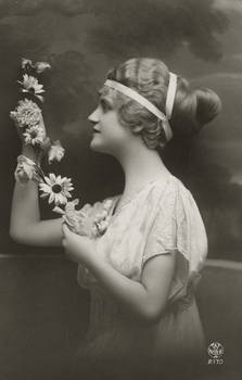 Vintage lady in profile with flowers 003