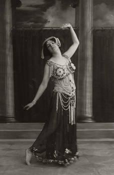 Vintage Arabesque woman miss Maud Allan as Salome