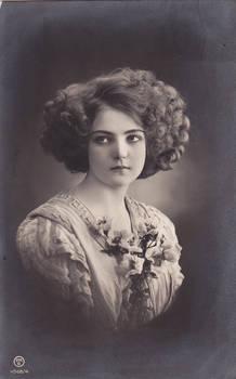 Vintage upset lady 005