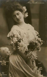 Vintage lady with flowers 0002