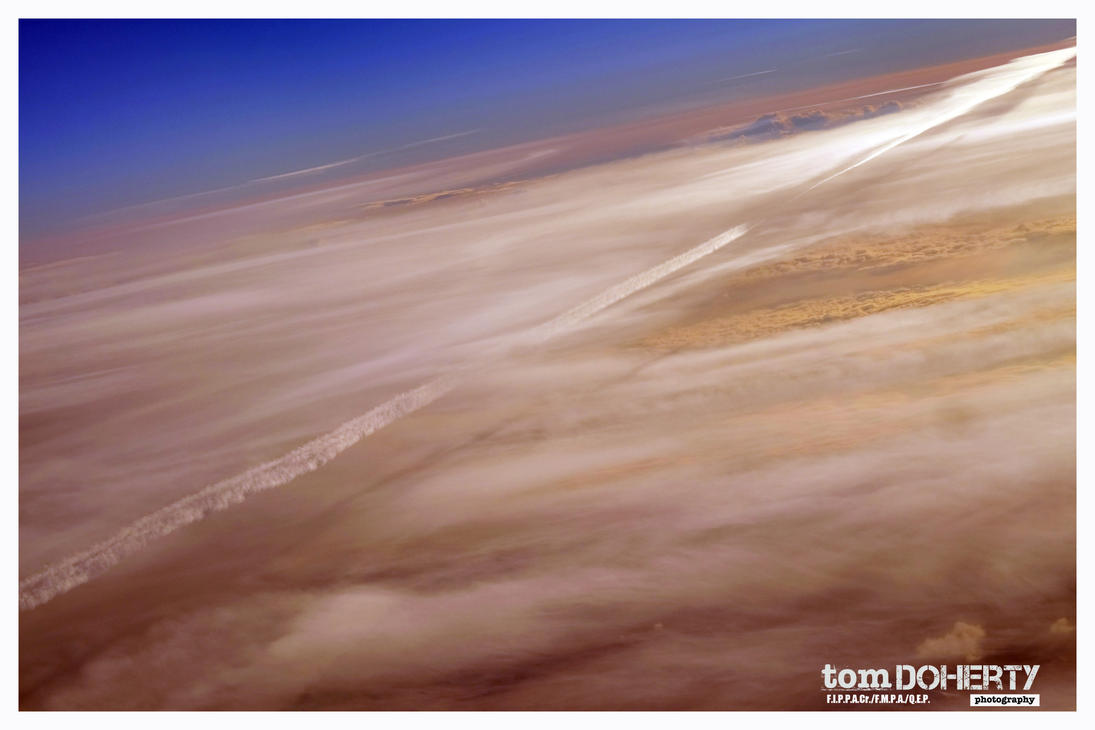 Vapour trail by PicTd