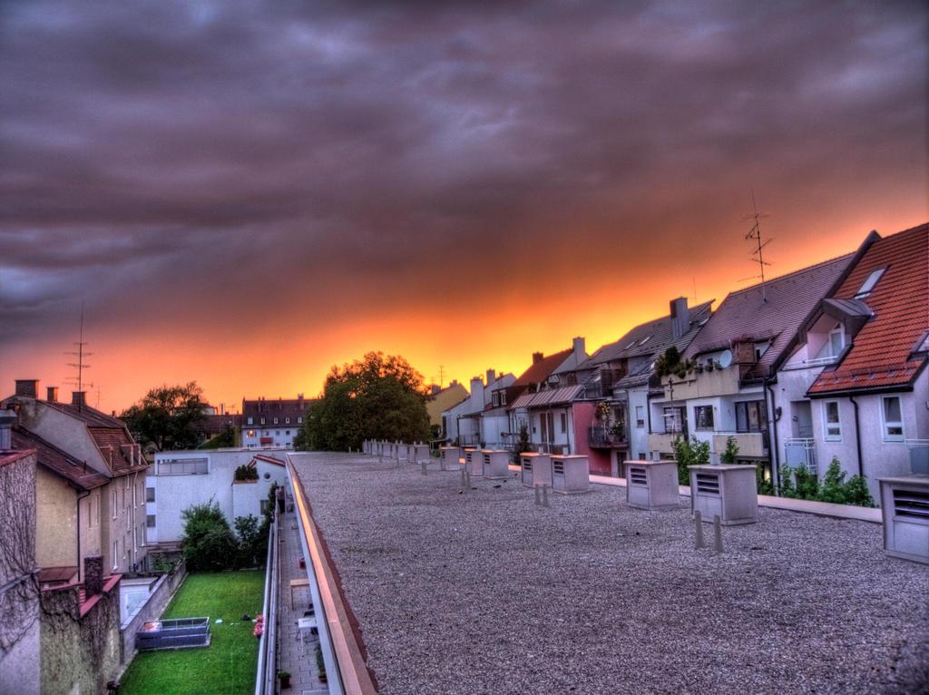 Backyard HDR by soffl