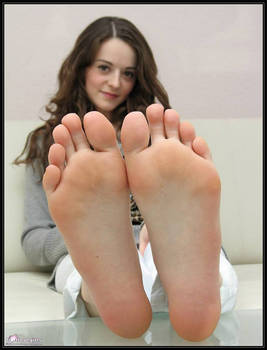 Cute Feet...For YOU!