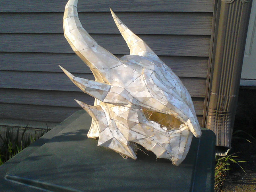 My 1st Pepakura project Skyrim Daedric Helm by forsakenkikyo