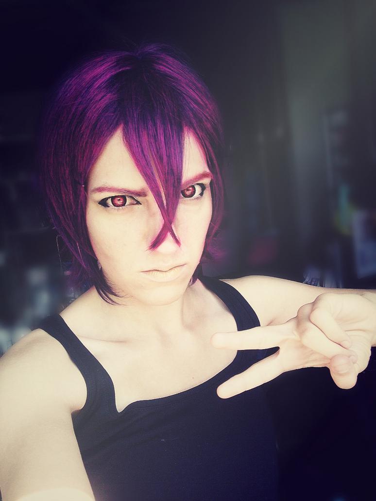 Let me take a selfie... right? by KawazoeHanae