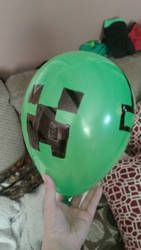 Balloon Art Creeper by AnimeKatieKitty