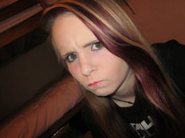 angry face! :L