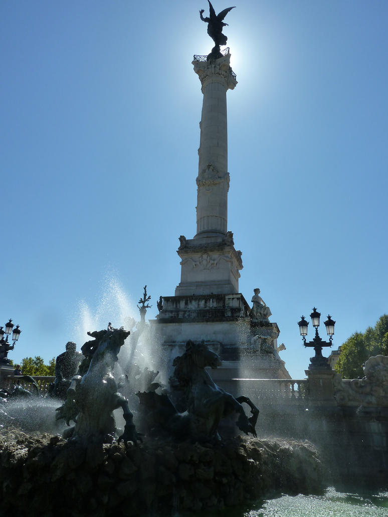 Monument aux Girondins at Bordeaux by remmy77