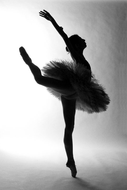 Balerina Spectacular_silhouete_by_fripturici