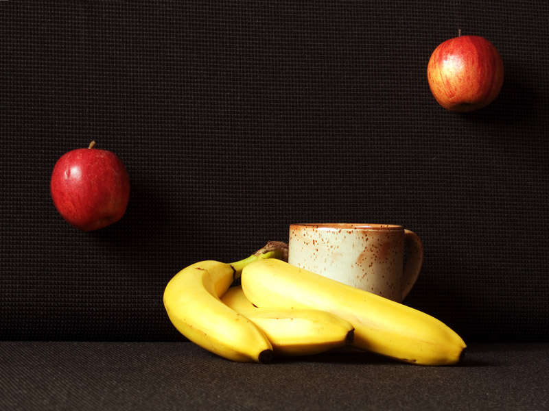 http://fc01.deviantart.net/fs70/f/2011/280/6/0/still_life_by_fripturici-d4c28l6.jpg