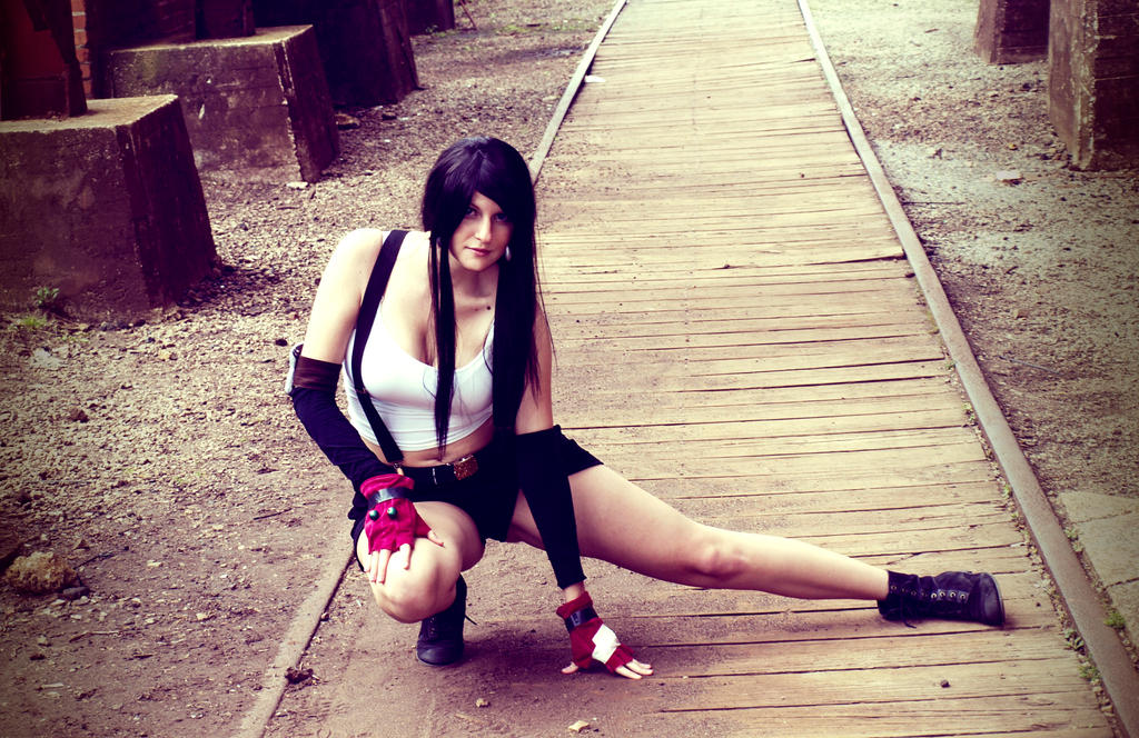 Tifa Lockart Ready for Battle by Hikari-Cosplay