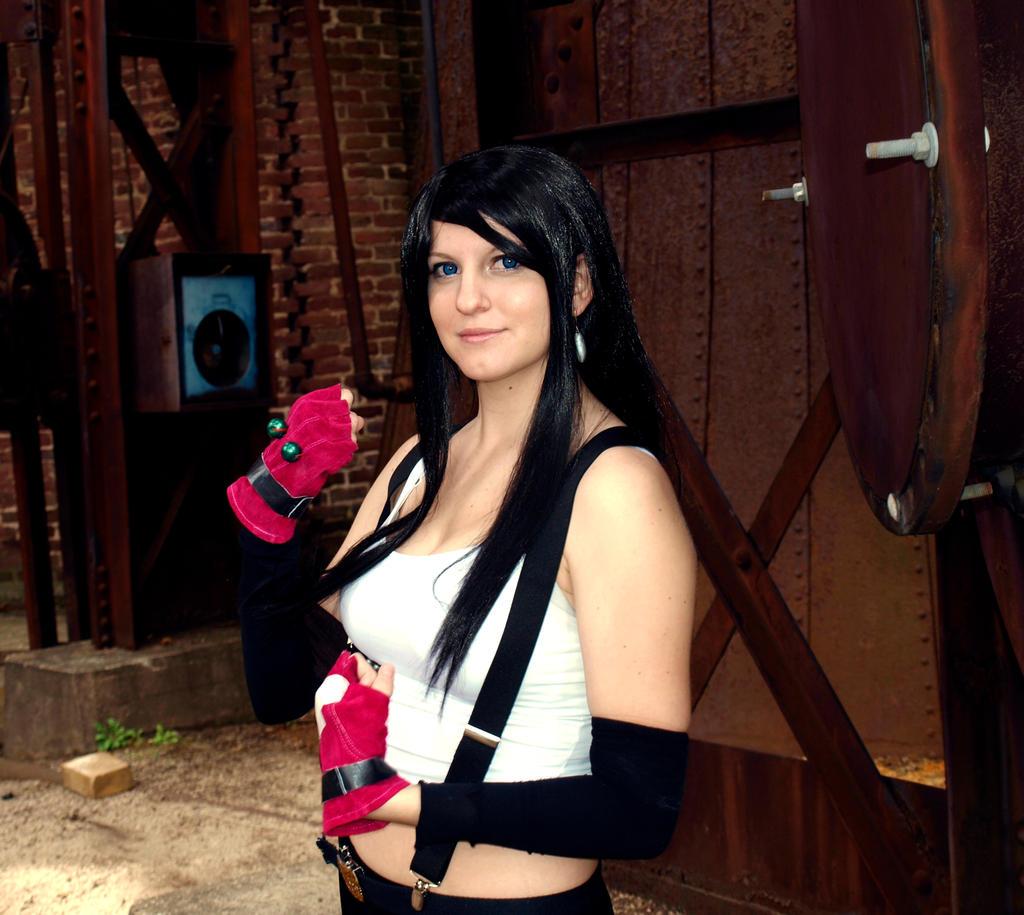 Tifa Lockhart Pose by Hikari-Cosplay