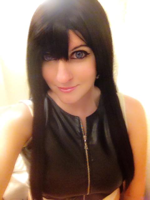 Tifa Lockhart Selfie by Hikari-Cosplay