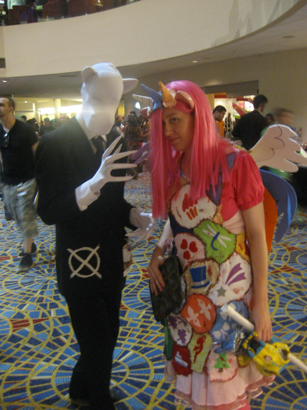 Dragon*Con 2012 Slendermane + Cupcakes cosplay by andy593