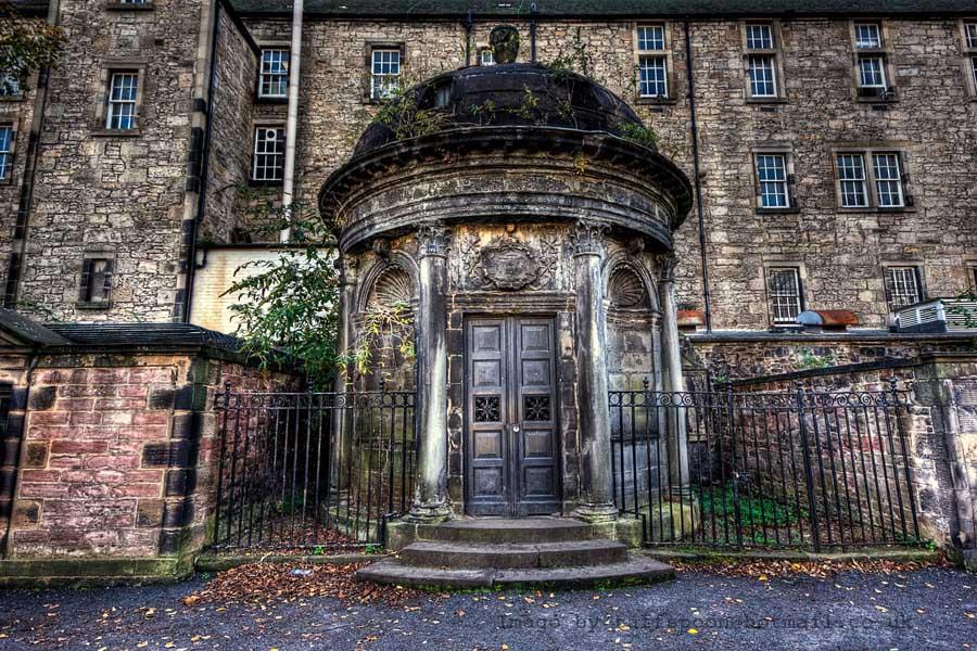 Greyfriars Mausoleum by GaryTaffinder