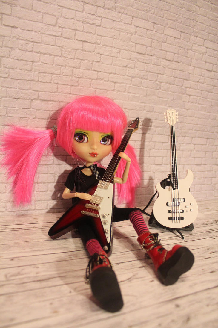 pullip custom Aurora Rocking Brat by DarkWing-Zero