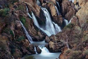Epupa waterfall 2 by Zefisheye
