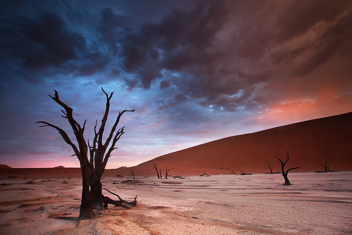 Dead vlei sunrise 3 by Zefisheye