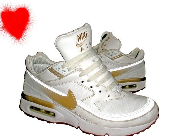 Clean White Nike Air Shoes