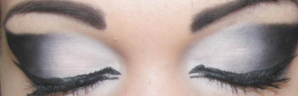 black white eyeshadow2 by Trannsylvanian