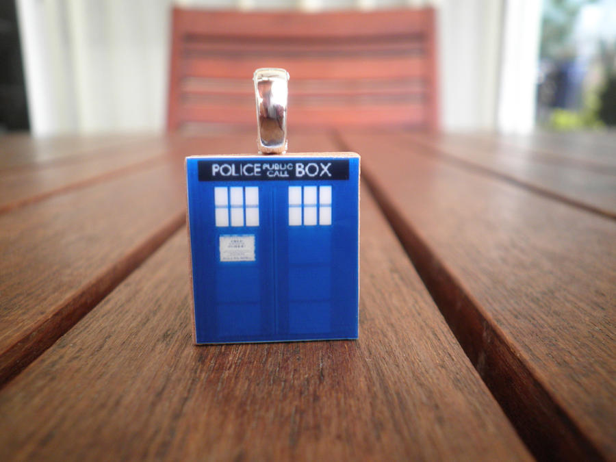 TARDIS Scrabble Tile Pendant by nailiew