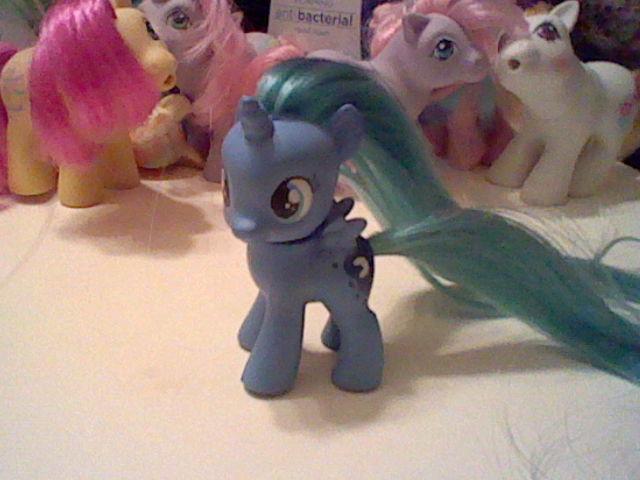 Filly Luna custom by Starlyk