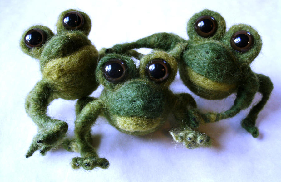 Needle Felted Frogs by JessieDockins