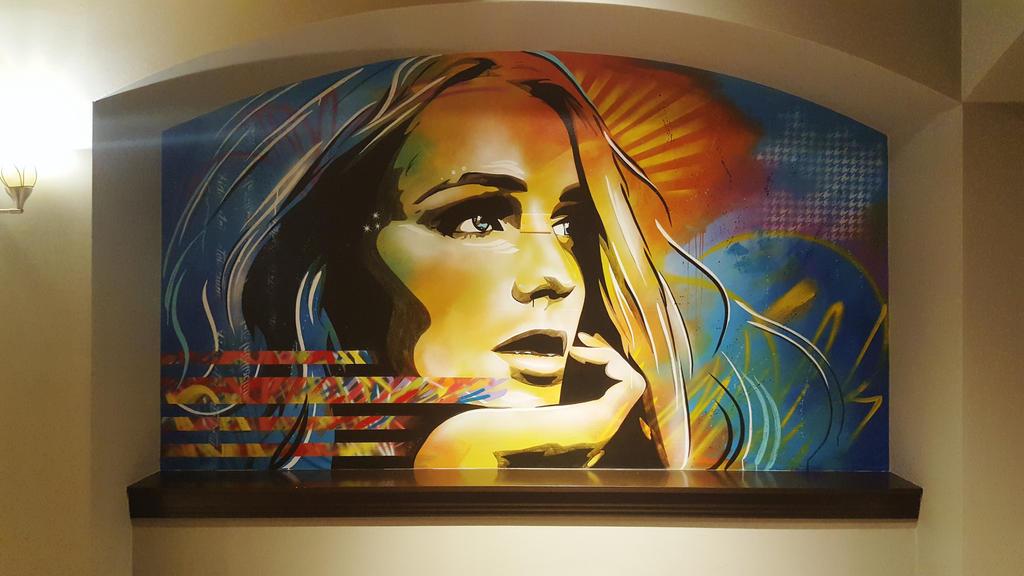 Renaissance Hotel mural by abcartattack