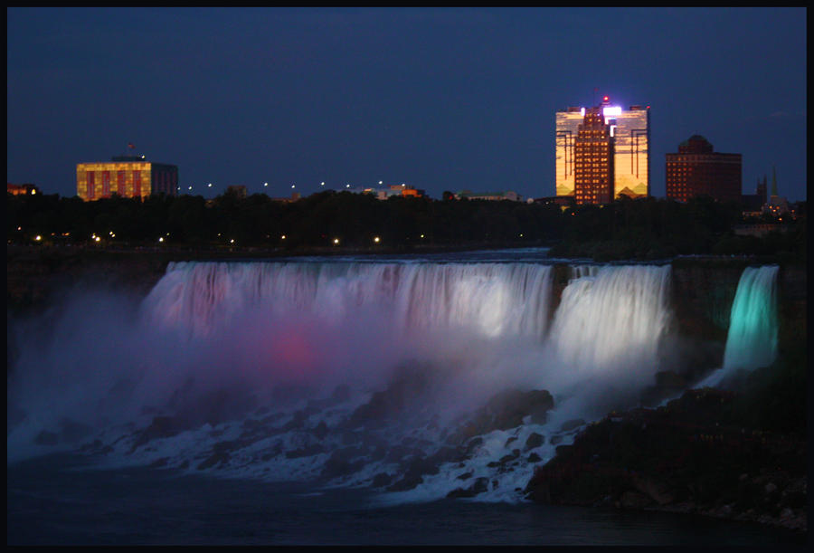 Night time at the American falls by AuTuMn-Lee